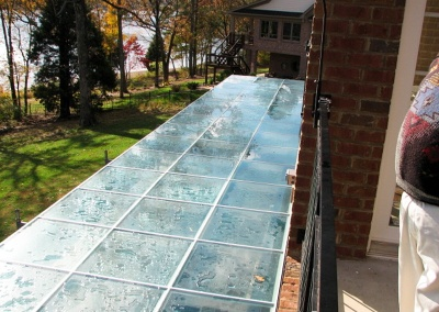 eagle-bluff-glass-deck4